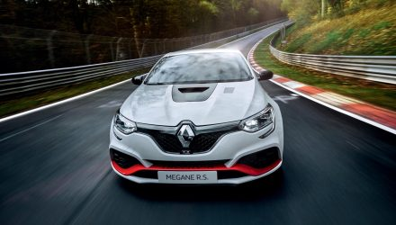 Renault Megane RS Trophy-R sets Nurburgring lap record (video)