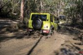 Suzuki Jimny 4x4 mud