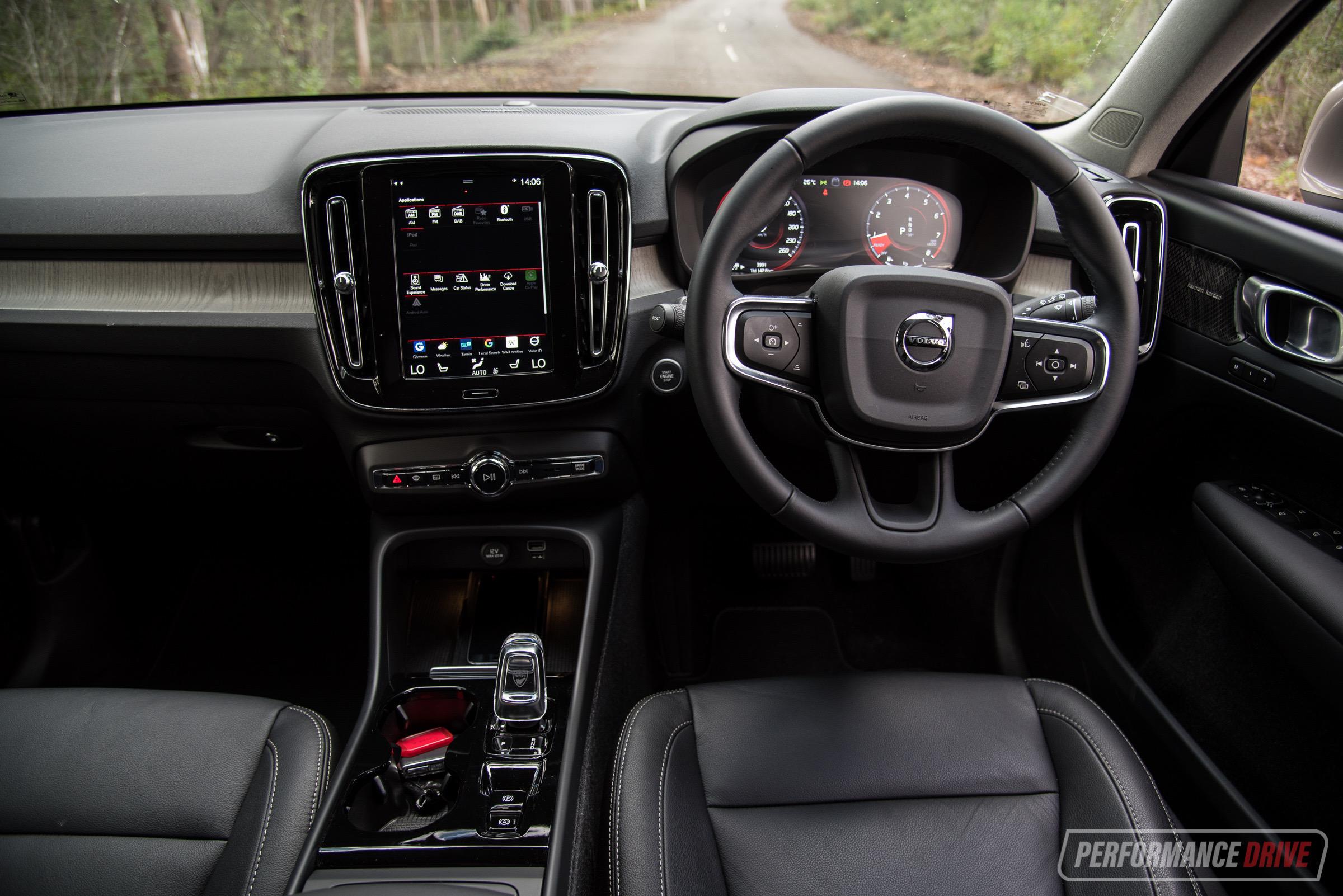 2019 Volvo Xc40 T4 Inscription Review Video