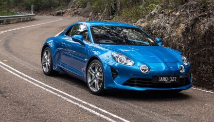 Video: 2019 Alpine A110 Premiere – Detailed review (POV)