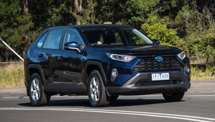2019 Toyota RAV4 GX Hybrid review (video)