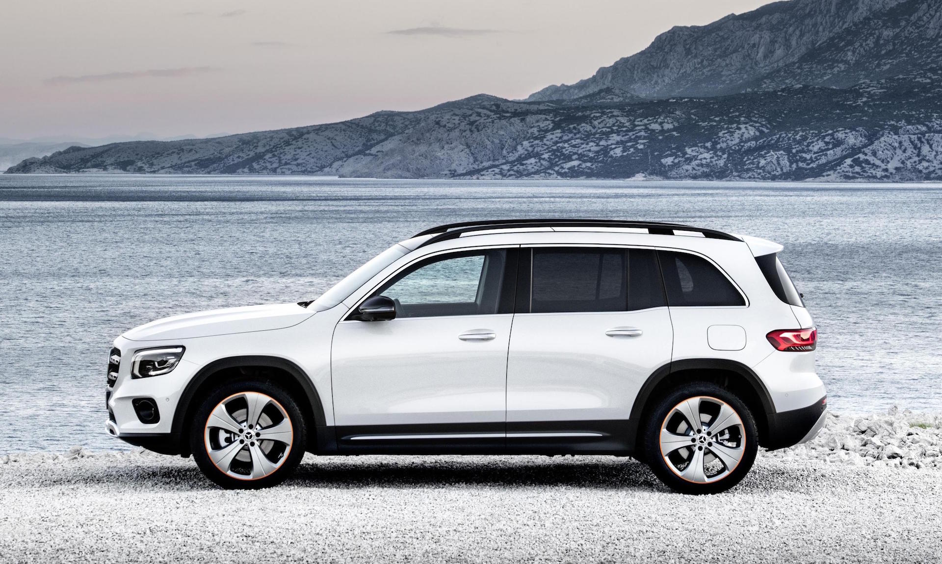 2020 Mercedes-Benz GLB revealed as new 7-seat compact SUV ...