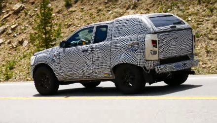2021 Ford Bronco spied, Raptor version rumoured (video)