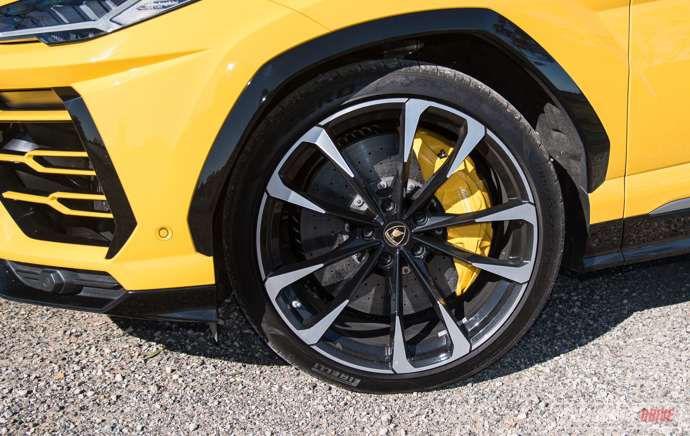 2019 Lamborghini Urus review (video) | PerformanceDrive