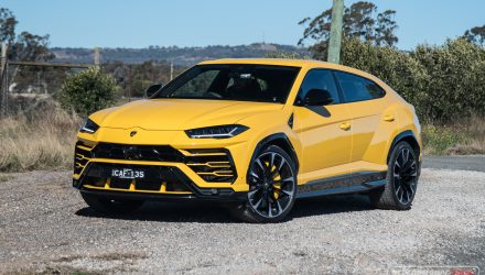 2019 Lamborghini Urus review (video)