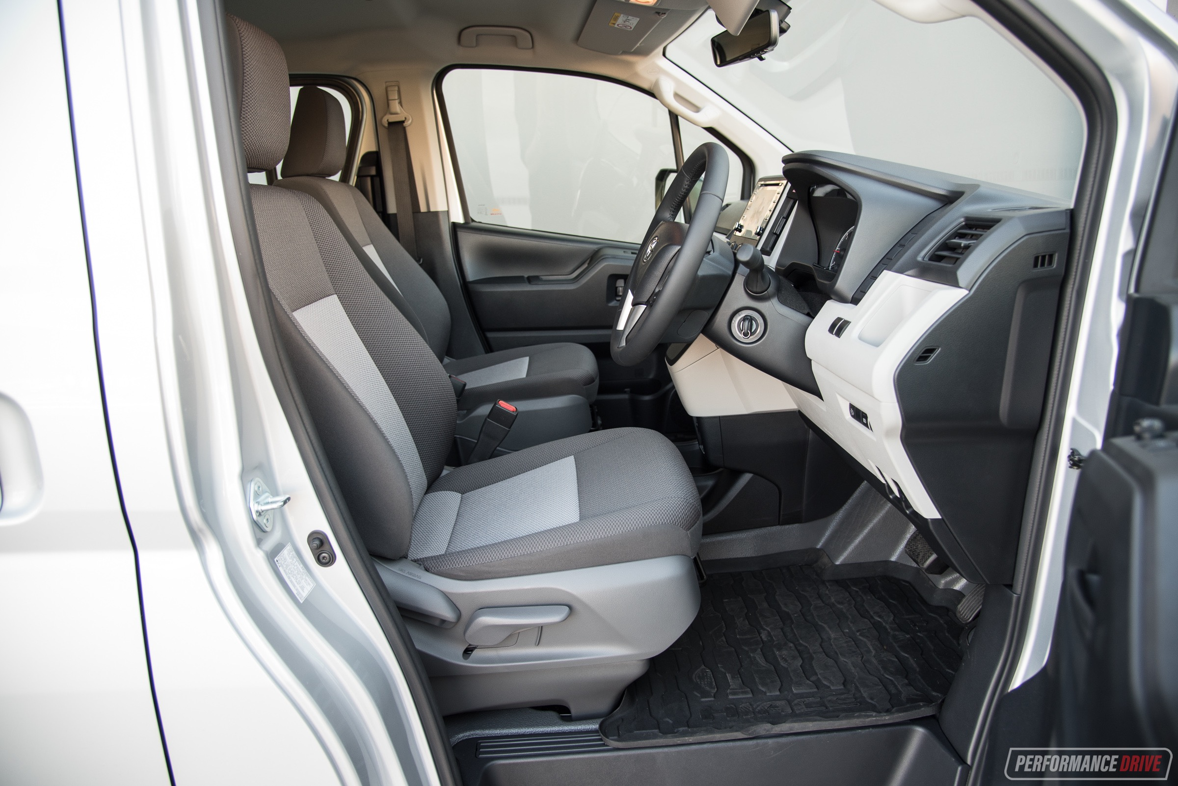 2019 Toyota HiAce review – V6 & Diesel (video ...