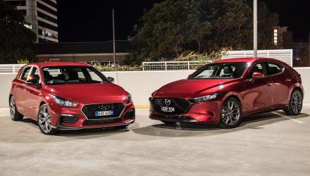 2019 Mazda3 G25 GT vs Hyundai i30 N Line: Small car comparison (video)
