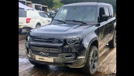 2020 Land Rover Defender spotted on 007 movie set