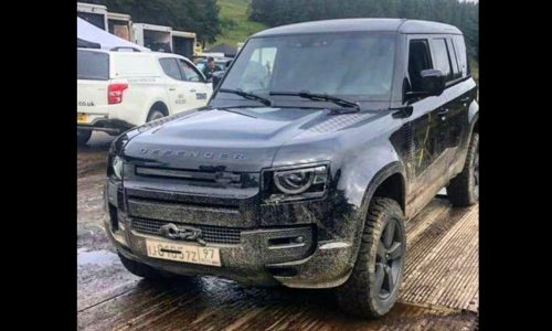 2020 Land Rover Defender spotted on 007 movie set