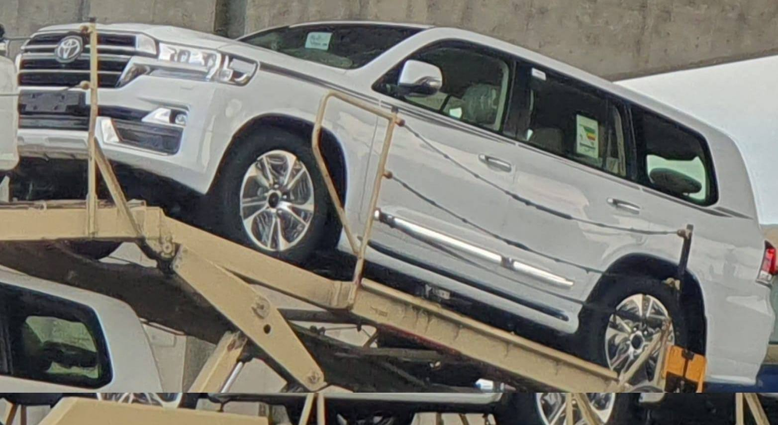 what is this sporty 2020 toyota landcruiser facelift