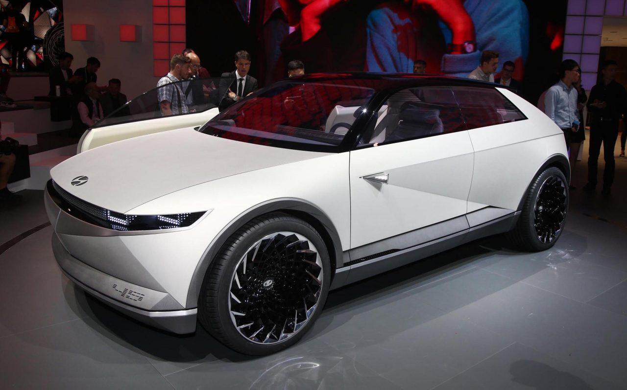 Rover Com Reviews >> Hyundai 45 EV Concept revealed at Frankfurt show ...