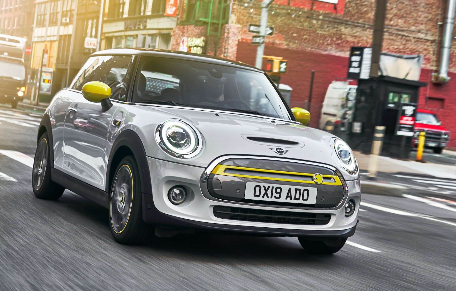 2020 mini cooper se electric revealed  confirmed for