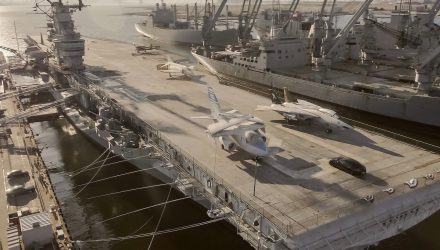 Video: Porsche Taycan does 0-145-0km/h on an aircraft carrier