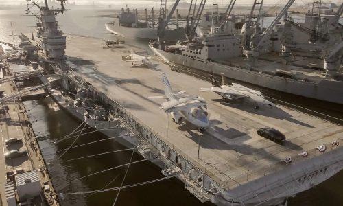 Video: Porsche Taycan does 0-145-0km/h on an aircraft carrier