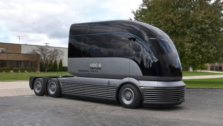 Hyundai HDC-6 Neptune hydrogen fuel cell truck revealed
