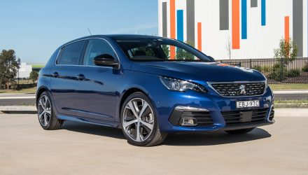 2019 Peugeot 308 GT EAT8 review (video)
