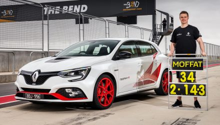 Renault Megane RS Trophy-R sets lap record at The Bend (video)