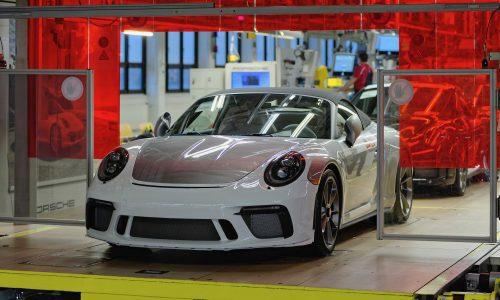 Last 991-generation Porsche 911 rolls off production line