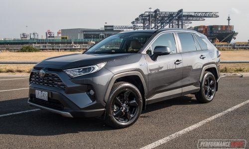 2019 Toyota RAV4 Cruiser Hybrid AWD review (video)