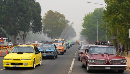 Summernats 33 opens, brightens up smoke-filled Canberra