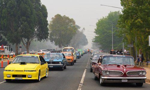 Summernats 33 opens, brightens up smoke-filled Canberra