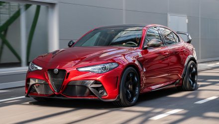Alfa Romeo Giulia GTA revealed; hardcore track version, more power