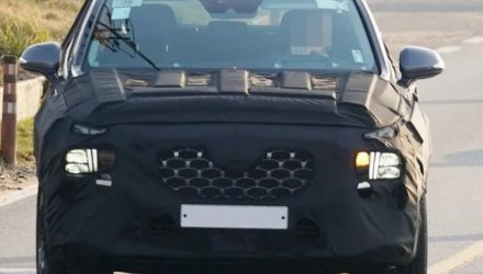 2021 Hyundai Santa Fe spotted, gets Palisade headlight design