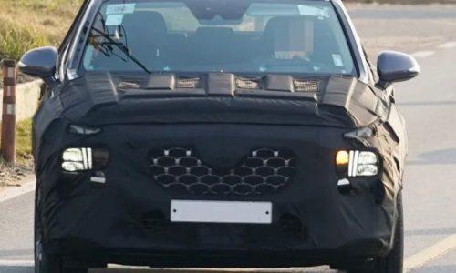 2021 Hyundai Santa Fe spotted, gets Palisade headlight design