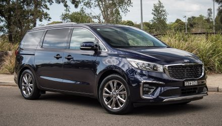 2020 Kia Carnival Platinum diesel review (video)