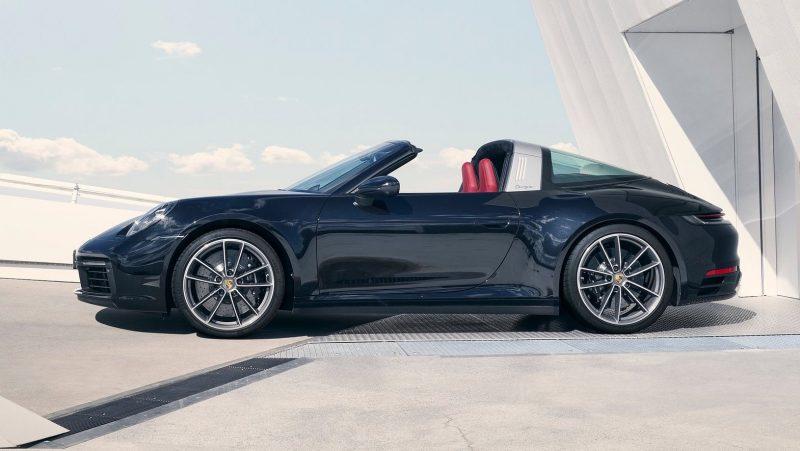 2021 Porsche 911 Targa-side