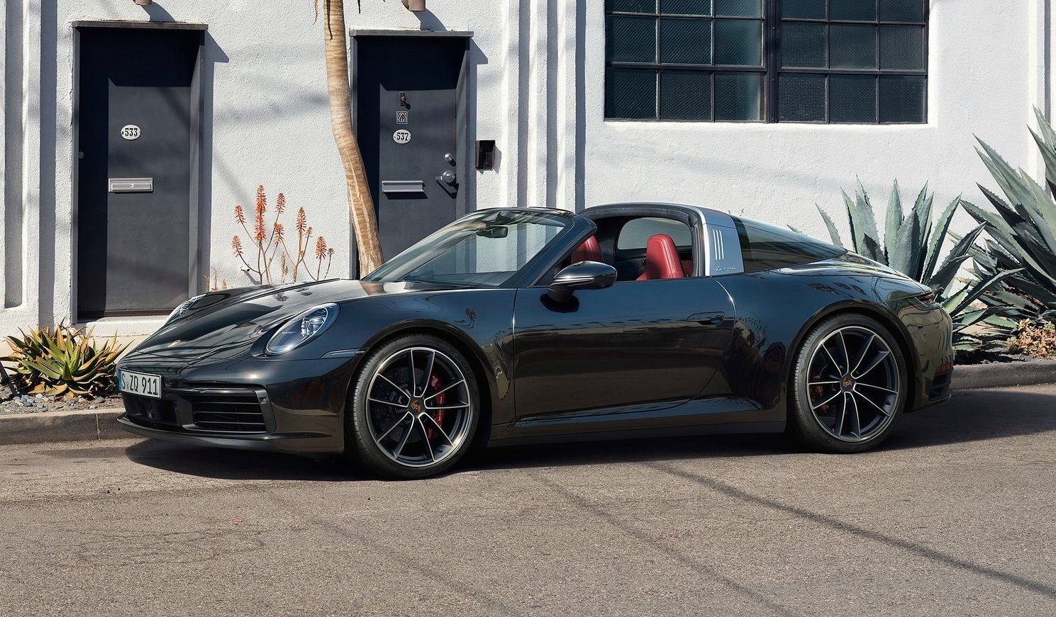 Porsche 911 Targa unveiled, on sale from $275800