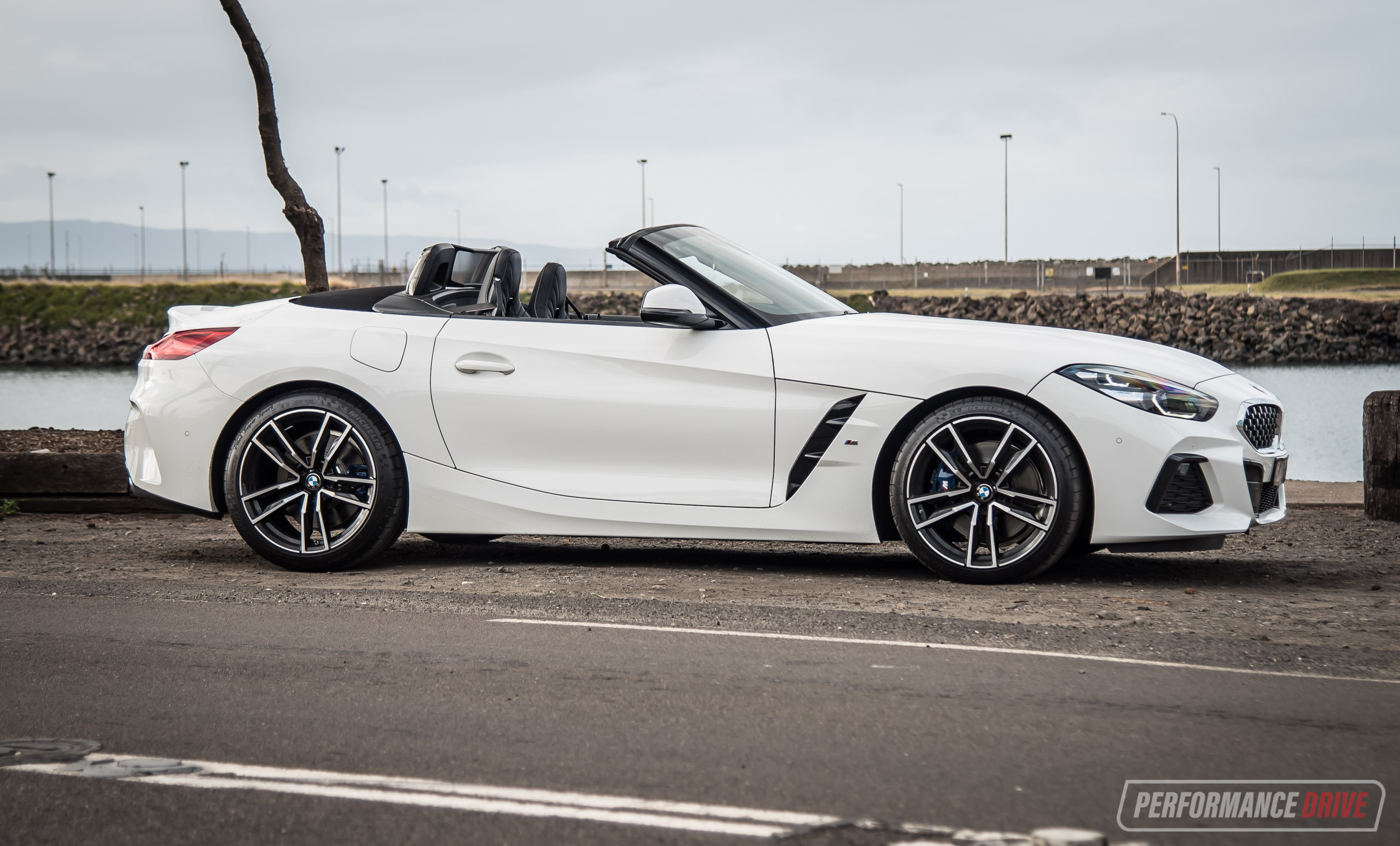 2020 BMW Z4 sDrive20i manual review (video) | PerformanceDrive