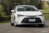 2020 Toyota Corolla Ascent Sport sedan-headlights