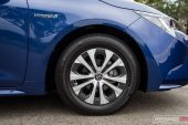 2020 Toyota Corolla SX sedan-wheels