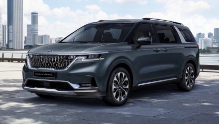 2021 Kia Carnival revealed with sharp new design