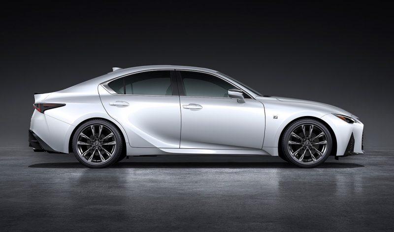 2021 Lexus IS sedan officially unveiled, F Sport looks hot