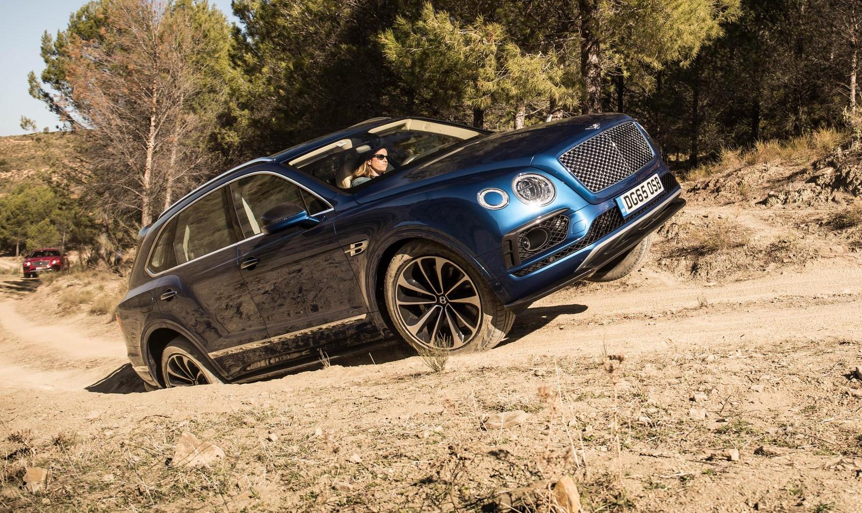 Bentley Bentayga Production Surpasses 20 000 Milestone Performancedrive