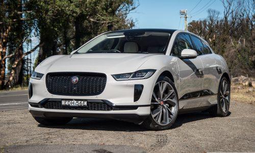 2020 Jaguar I-PACE SE review (video)