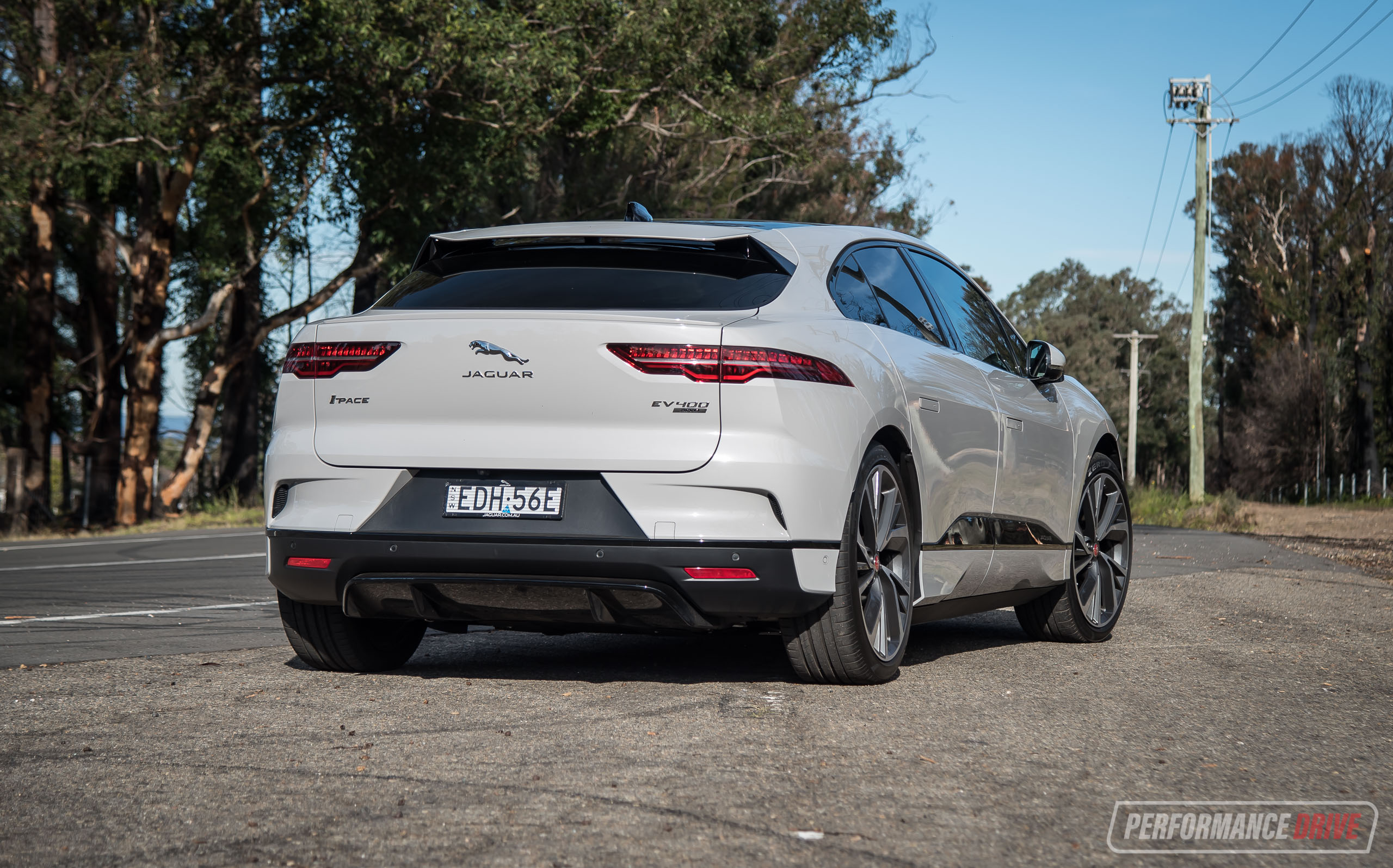 2020 Jaguar I-PACE SE review (video) | PerformanceDrive