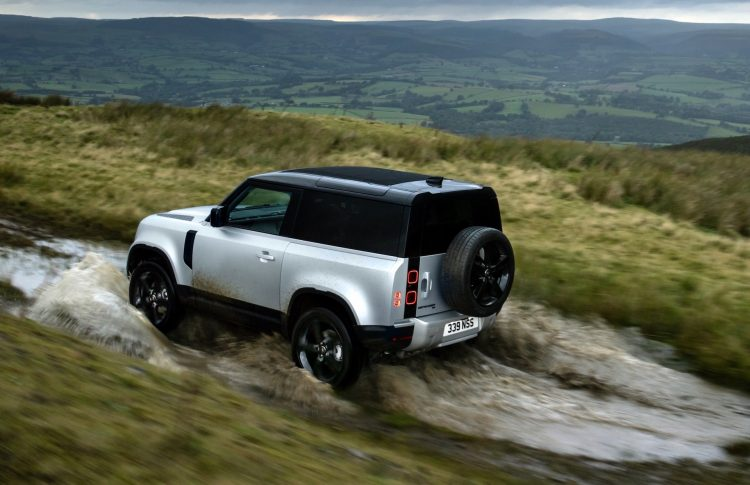 MY2021 Land Rover Defender update adds 3.0L inline-6 ...
