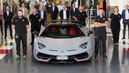 Lamborghini Aventador production hits 10,000 units