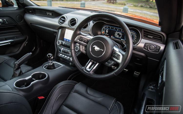 2020 Ford Mustang R-SPEC-interior