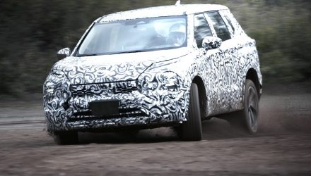 2022 Mitsubishi Outlander previewed, prototypes pushed to limits (video)