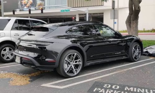 Porsche Taycan Cross Turismo production-spec spotted