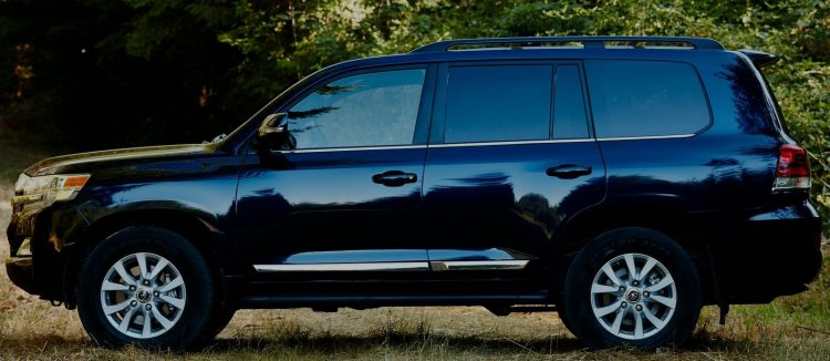 2017 Toyota LandCruiser 200 Series Side Profile