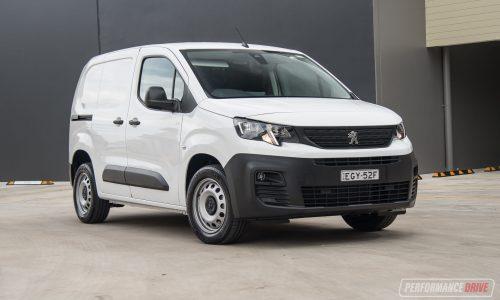 2020 Peugeot Partner SWB 130 THP review (video)