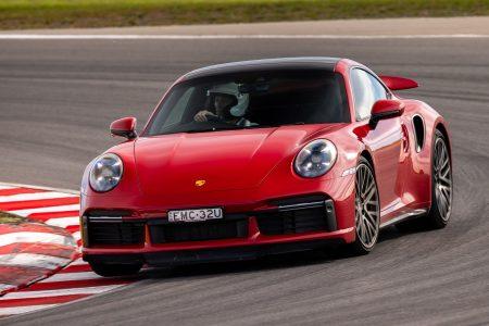 2021 Porsche 911 Turbo-body roll