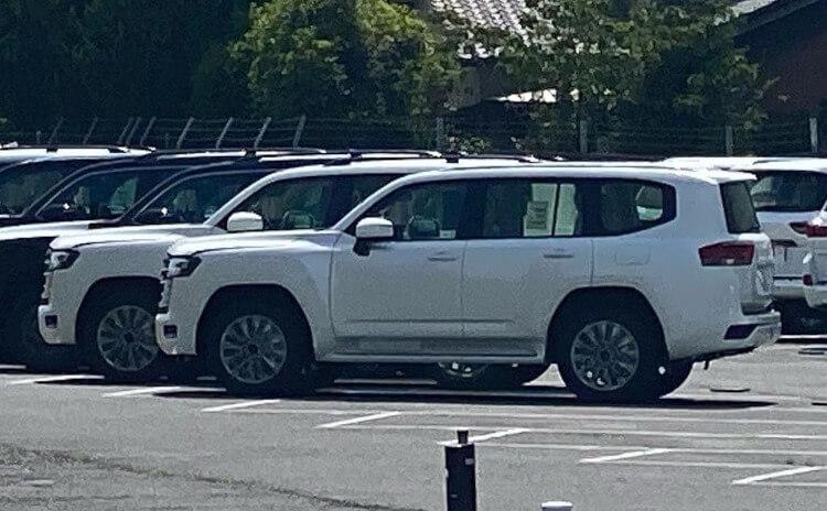 2022 Toyota LandCruiser 300 Series - 3