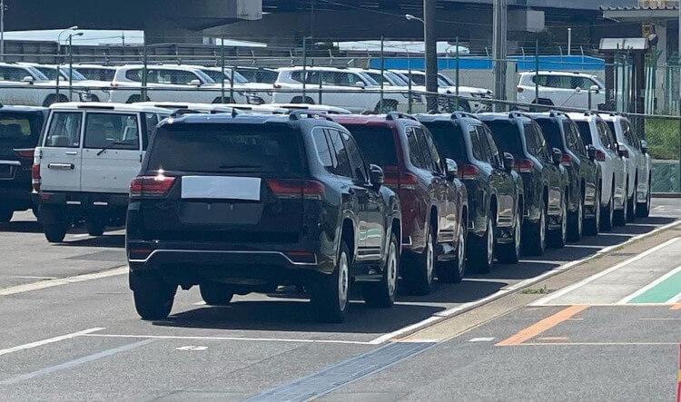 2022 Toyota LandCruiser 300 Series-taillights