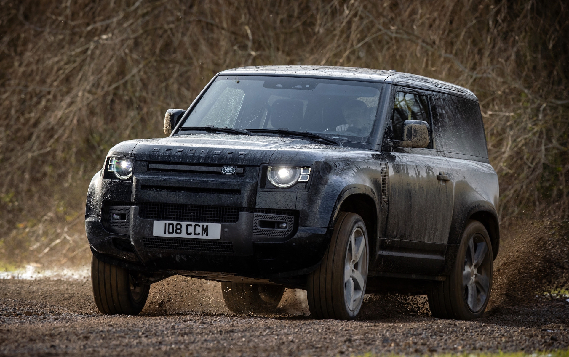 Land Rover Defender 'SVR' to feature BMW twin-turbo V8 – report